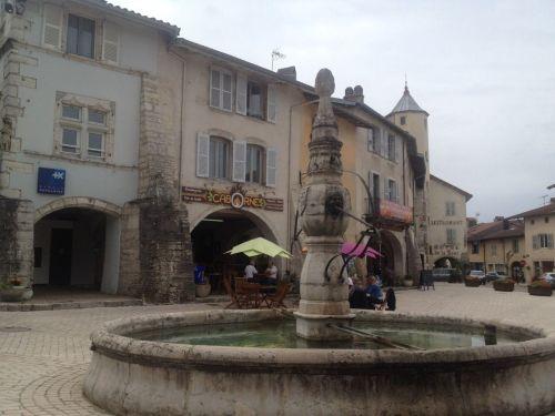 Plaza de la Fontaine, Arinthod