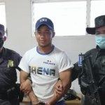 PNC captura a vigilante de ARENA por fraude electoral