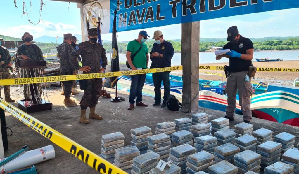Decomisan droga valorada en más de $4.2 millones a un salvadoreño y cuatro nicaragüenses