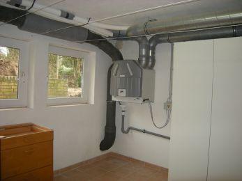 Lüftungsgerät für kontrollierte Be- und Entlüftung mit Wärmerückgewinnung