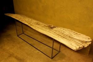 流木の今 流木テーブルとして