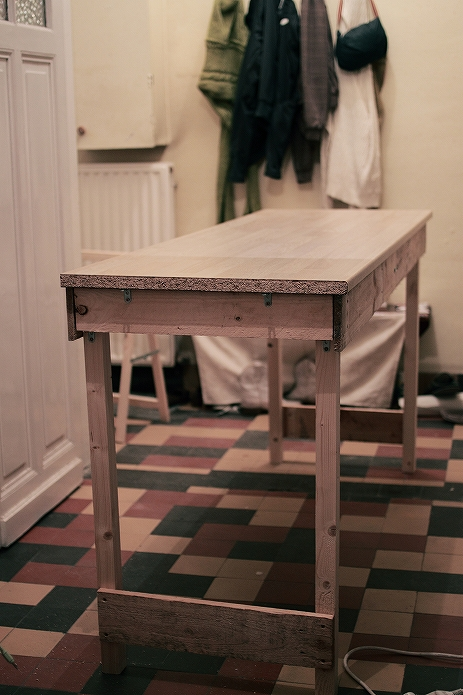 自由にデザイン!DIYでかわいいカフェテーブル・デスクの簡単な作り方013