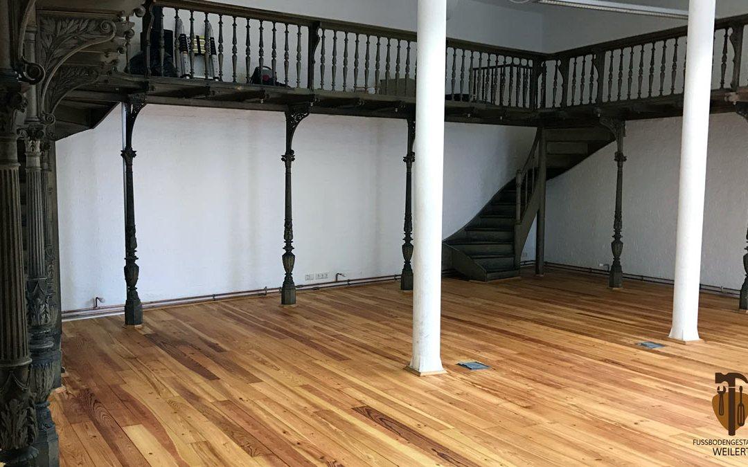 Dielenboden Aufarbeiten – Vorher & Nachher
