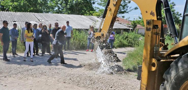 """Изграждат канализация на ул. """"Враца"""""""
