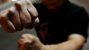 Пиян баща налита на полицаи след бой със сина си