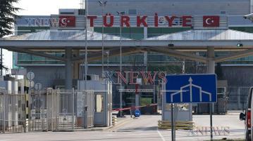 В полунощ Турция затваря границите си