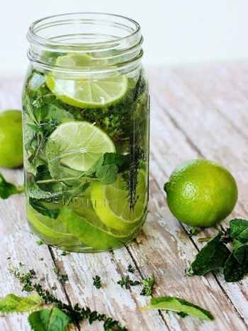 9 ways to make your house smell amazing lime scents diy herbs and citrus room scents