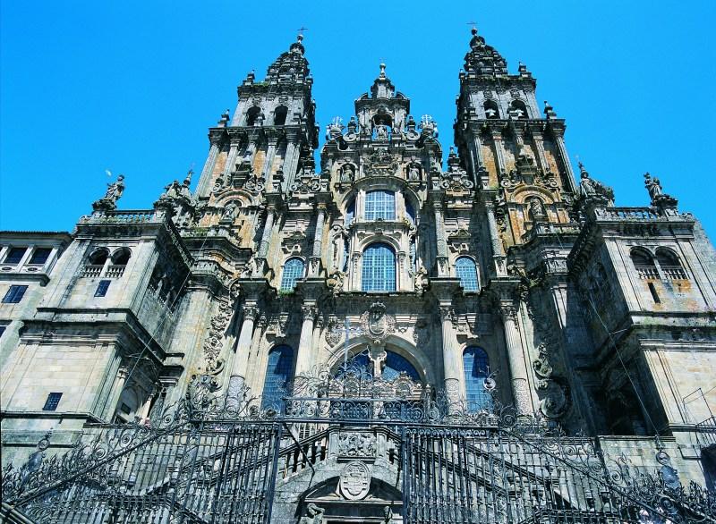 Imaxe da catedral de Santiago de Compostela, en Galicia. Mostra do valor e duración do granito galego.