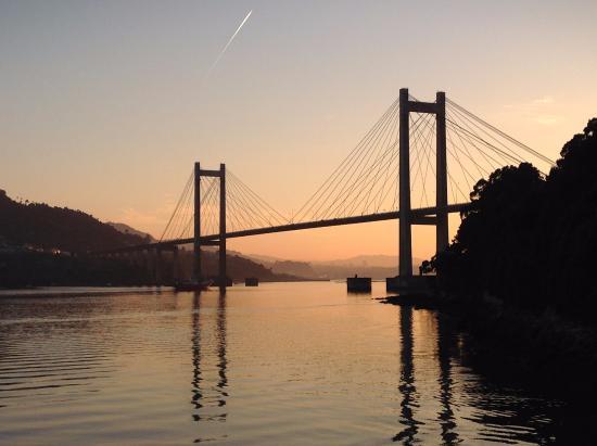 A orquestra Panorama amenizará os atascos na ponte de Rande