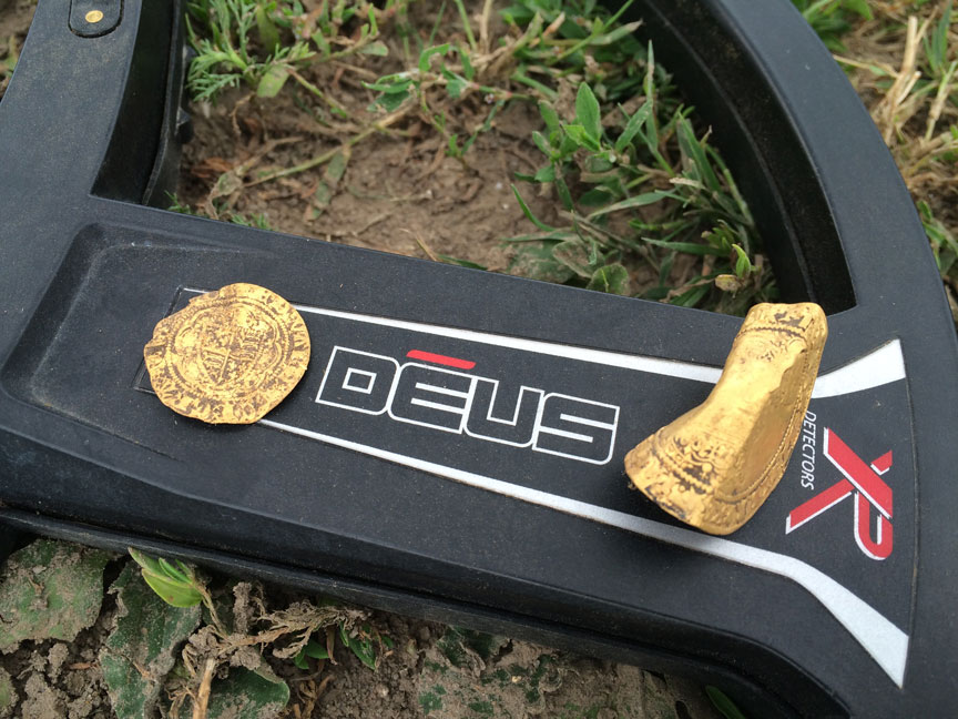 Gold-coins-found-with-an-xp-deus