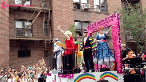 Gay Parade in NYC - fun & music