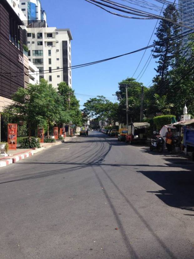 The quiet street outside my apartment during the coup - normally there is a small amount of traffic