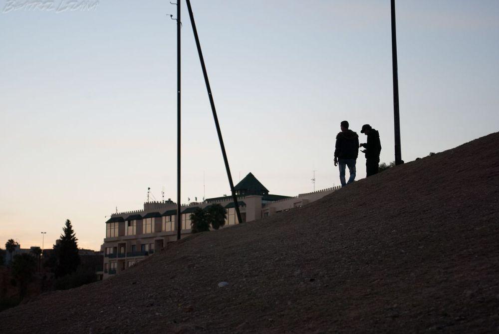 Pareja al atardecer en Fez