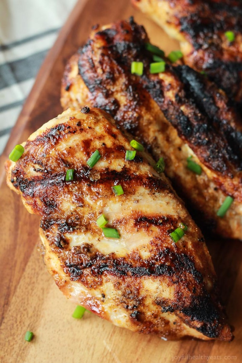 25 Paleo Barbecue Recipes   Spice Rubbed Grilled Chicken   www.Xperimentsinliving.com