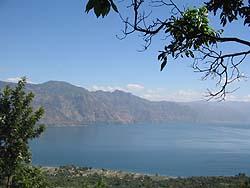 Lago de Atitlán. Foto: Explorador