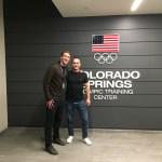 Schwimmtrainer Alexander Steinhart und Olympionike Chase Kalisz im US Olympic Training Center