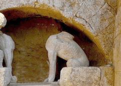 Ο χρησμός της Αμφίπολης αναζητεί απαντήσεις στους Δελφούς; Καθηγητής του ΑΠΘ εντοπίζει «γεωγραφική σύνδεση» των δύο αρχαιολογικών χώρων