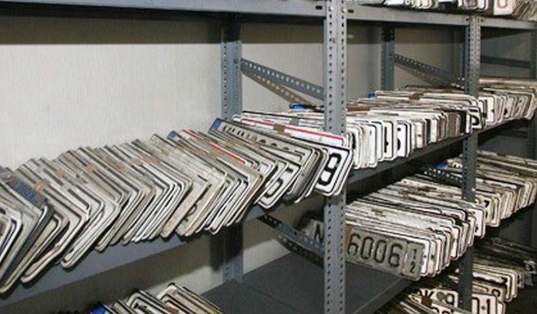 Προθεσμία έως τις 28 Φεβρουαρίου για την κατάθεση πινακίδων ΙΧ – Οδηγίες από την ΑΑΔΕ