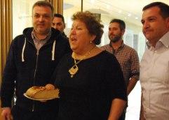 AE ΚΑΒΑΛΑΣ: Ευχές για παραμονή και υποσχέσεις για γήπεδο στην κοπή πίτας της ΑΕΚ