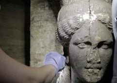 ΤΥΜΒΟΣ ΚΑΣΤΑ: Το φάντασμα του «ρωμαϊκού πορίσματος» πλανάται πάνω από την Αμφίπολη