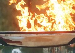 ΜΑΤΑΙΩΝΕΤΑΙ Η ΤΕΛΕΤΗ ΥΠΟΔΟΧΗΣ ΤΗΣ ΟΛΥΜΠΙΑΚΗΣ ΦΛΟΓΑΣ ΣΤΗΝ ΚΑΒΑΛΑ