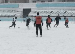 ΒΥΡΩΝ ΚΑΒΑΛΑΣ: Προπόνηση στο χιόνι
