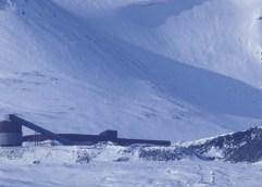 Δίπλα στους σπόρους και τα βιβλία: Δημιουργήθηκε η «Βιβλιοθήκη της Αποκάλυψης» στο αρκτικό νορβηγικό νησί Σβάλμπαρντ