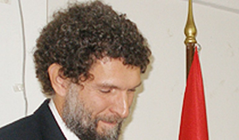 Ο Ερντογάν καταφέρεται εναντίον του Οσμάν Καβαλά, ο οποίος συνελήφθη και πάλι
