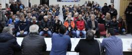 Μέσα σε πανηγυρικό κλίμα η συνάντηση του Ανδρέα Νεφελούδη με τους πρώην απολυμένους της Βιομηχανίας Φωσφορικών Λιπασμάτων