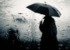 Τοπικές βροχές και καταιγίδες αναμένονται αύριο στα κεντρικά και βόρεια