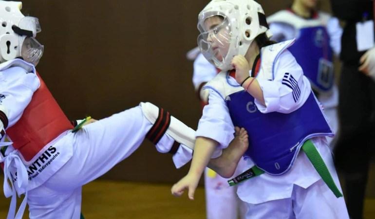 Για 12η χρονιά ο ΑΣ ΤΑΕΚΒΟΝΤΟ Καβάλας διοργάνωσε με απόλυτη επιτυχία στο κλειστό της Καλαμίτσας «Αλεξάνδρα Δήμογλου» το 12ο  Kids Open-φιλικό Πρωτάθλημα Παίδων με πολλές συμμετοχές από ολόκληρη τη Βόρεια Ελλάδα.