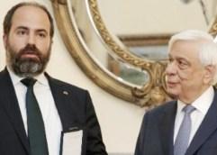 Το παράσημο του Ταξιάρχη του Φοίνικος απέδωσε στον Φρίξο Παπαχρηστίδη ο Πρόεδρος της Δημοκρατίας, Πρ. Παυλόπουλος