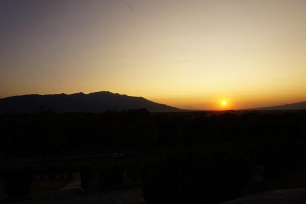 Ηλιοβασίλεμα, από τον αρχαιολογικό χώρο των Φιλίππων! Βίντεο με την πορεία του ήλιου και φωτογραφίες με τα αρχαία μάρμαρα