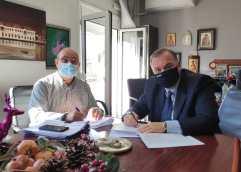 """Υπογραφή Σύμβασης του έργου: """" Αποκατάσταση βλαβών στους αγωγούς ύδρευσης και πηγών του οικισμού Λιμένα, Κοινότητας Θάσου"""""""