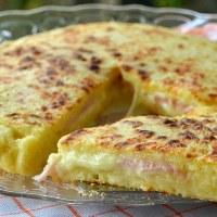 Πατατοβόμβα στο τηγάνι με αλλαντικά και τυρί