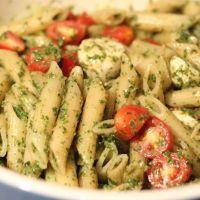 5 Γρήγορες συνταγές για Καλοκαιρινές μακαρονάδες ότι πρέπει για μετά την θάλασσα