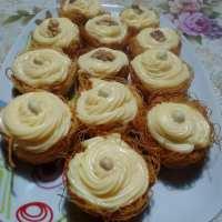 Φωλιές απόλαυσης με καταΐφι και με κρέμα πατισερί