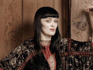 BRONAGH GALLAGHER announces new album 'GATHER YOUR GREATNESS'