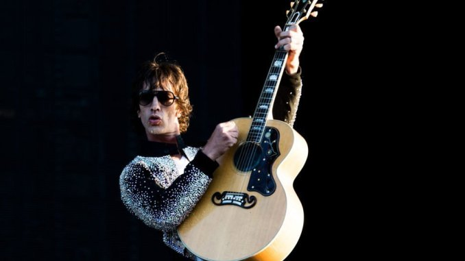RICHARD ASHCROFT gives statement on The Rolling Stones after winning Ivor Novello Award today