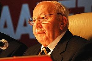 {{hu Necmettin Erbakan 2006-ban}}{{tr Türkiye ...