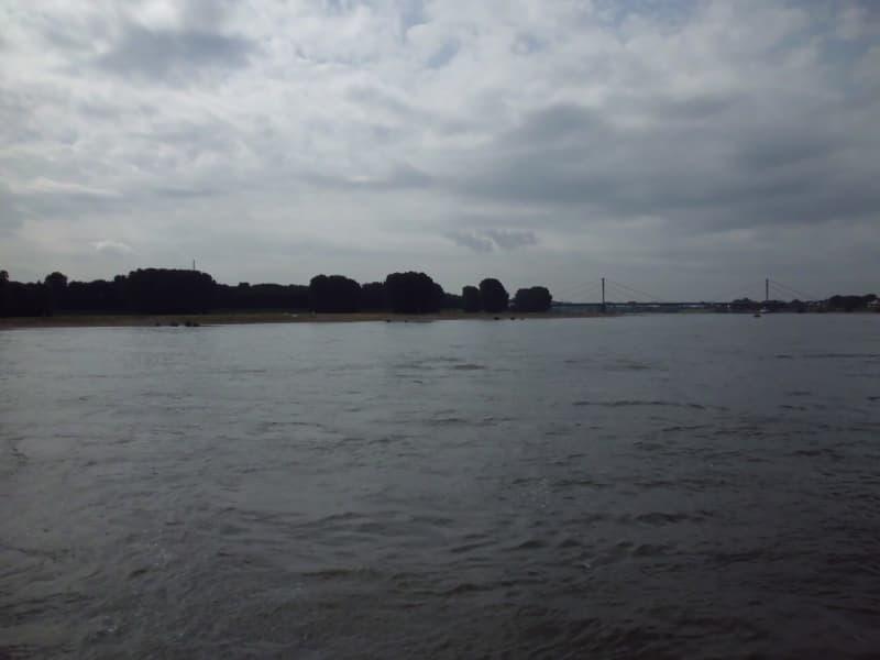 Rhein 1 - (c) Reinhard Matern
