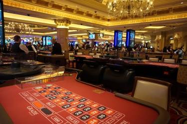 """acameronhuff <a href=""""http://www.flickr.com/photos/18965345@N00/23977716514"""">Roulette at the Venetian Casino</a> via <a href=""""http://photopin.com"""">photopin</a> <a href=""""https://creativecommons.org/licenses/by/2.0/"""">(license)</a>"""
