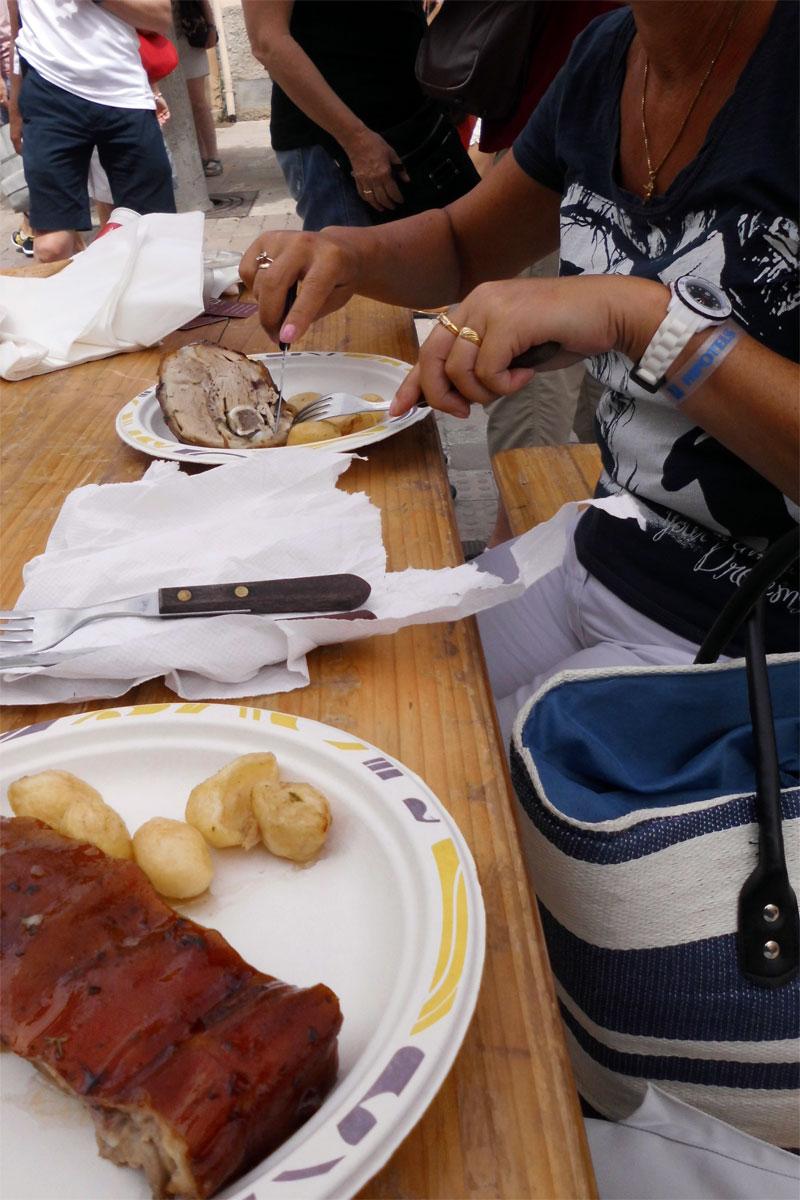 Das Schwein ist auf unseren Tellern