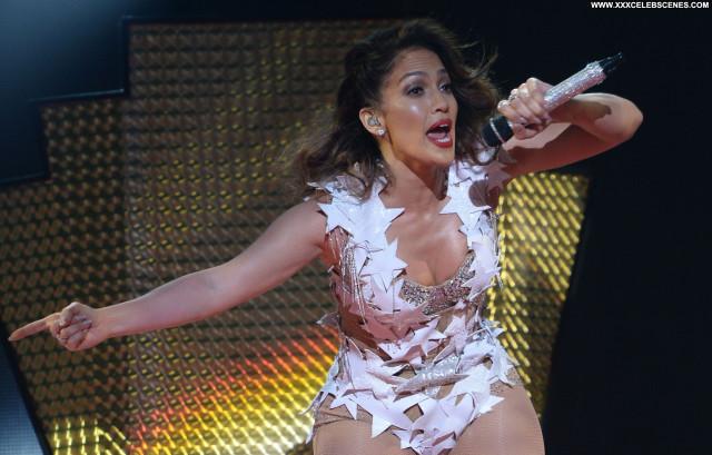 Jennifer Lopez Posing Hot Actress Sexy Beautiful Celebrity American