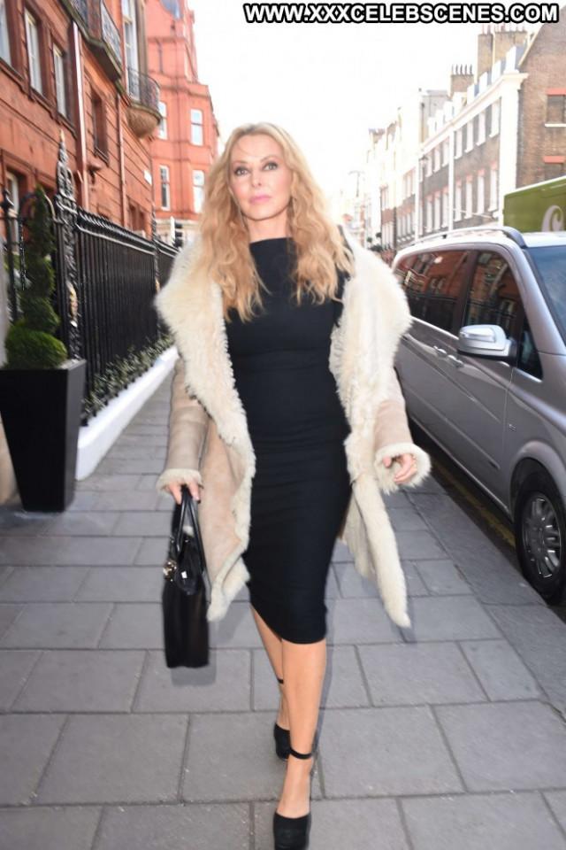 Carol Vorderman Hot Babe Celebrity London Paparazzi Hotel Beautiful
