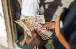 India Cashless: The Challenges & Opportunities