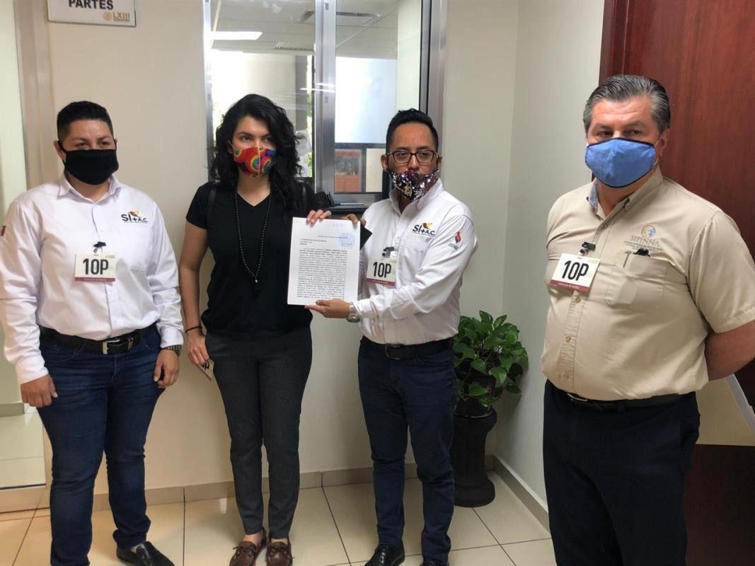 Sinaloa Incluyente presentando iniciativa de ley. Con fotografía de Anodis.
