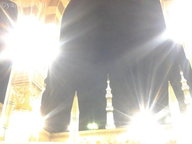 Masjid Nabawi Wallpaper At Night_yaALLAH.in_27