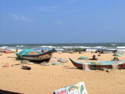 Plage de Mamallapuram barques