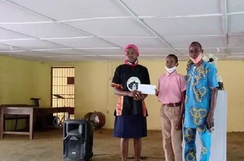 Ex-Deputy Gov's Daughter Gives Scholarship, Bursary To Students In Ogun